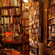 1430413869-shakespeare-and-company-bookshop.jpg 3.520×2.651 pix